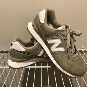 Men's New Balance Tennis (worn for maybe an hour)